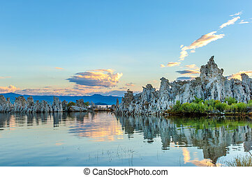 Mono lake tufa formations - Sunrise over tufa formations in...