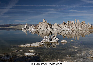 Mono Lake Tufa Towers #1136 - Mono Lake and tufa towers,...
