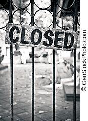 monocromático, barras, metal, sinal fechado