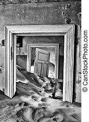 monocromo, edificio, en, el, pueblo fantasma, de, kolmanskop