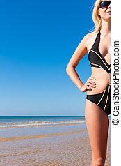monokini, mulher, praia, atraente