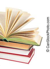 montón libros, con, abierto, libro, 2