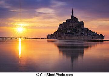 Mont-Saint-Michel sunset - View of famous Mont-Saint-Michel...