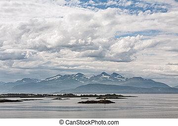 montaña, algunos, molde, fiordo, islas, noruega, vista
