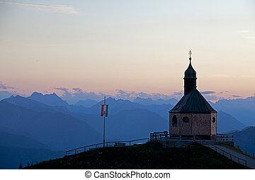 montaña, capilla, en, wallberg, en, ocaso