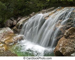 montaña, cascada, río