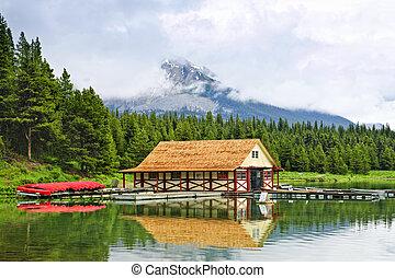 montaña, cobertizo, lago