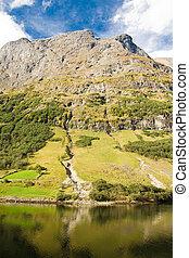 montaña, de, noruego, fiordo, en, noruega