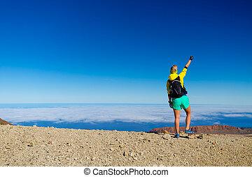 montaña, excursión de mujer, éxito, cima, trepador