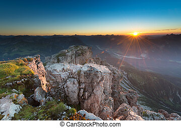 Montaña, Iluminado, cima, rocas, salida del sol, Temperamental