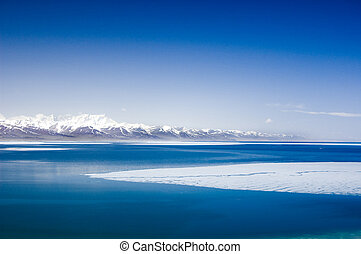 montaña, invierno, lago