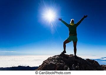 montaña, mujer, silueta, éxito, cima, montañismo