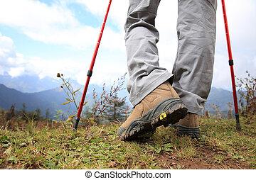 Montaña, piernas, pico, excursionismo