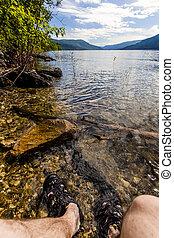 montaña, punto, riegue lago, pies, vista