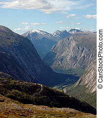 montaña, valley;, noruego, eikesdalen, finsetlia, glacial, escarpado, camino
