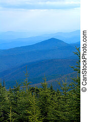 montañas ahumadas, arista azul