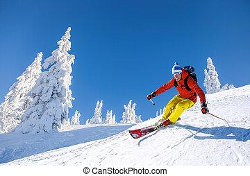 montañas azules, cielo, contra, alto, esquiar cuesta abajo, esquiador