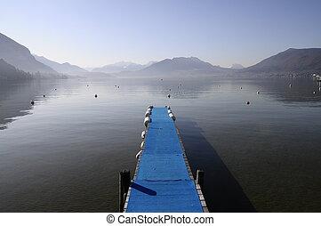 montañas azules, invierno, pontón, lago, mañana, annecy, vista
