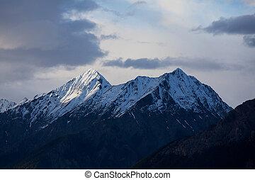 montañas, canadiense