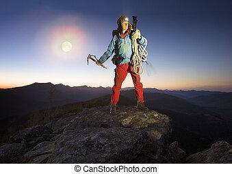 montañas, mochila, viajando arduamente, inmenso