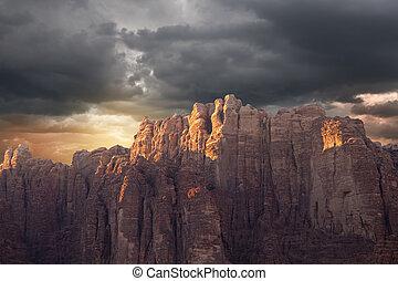 montañas, ron de wadi