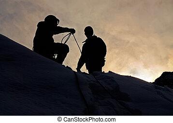 montañeros, en, ocaso