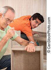 montaggio, nonno, nipote, mobilia