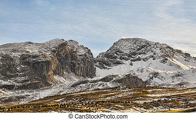 montagna, con, poco, neve, in, inverno