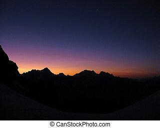 montagna, crepuscolo