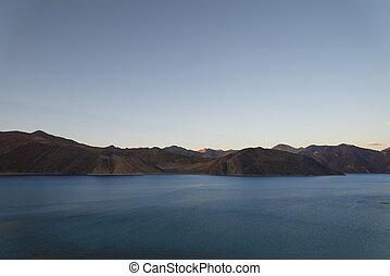 montagna, crepuscolo, lago