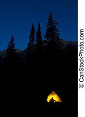 montagna, latern, backpacking, regione selvaggia, luce, campeggio, alto, ardendo, tenda