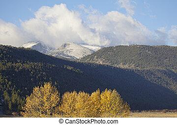 montagna rocciosa, autunno