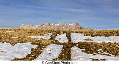montagna, senza, neve, in, inverno