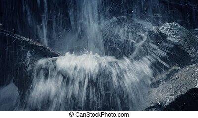 montagne, accidenté, passé, chute eau, en mouvement, closeup