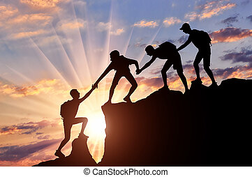 montagne, aiuto, uomini, altro, arrampicatori, ciascuno