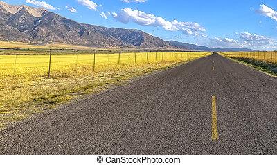 montagne bleue, accidenté, ciel, autoroute, vue