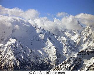 montagne, clouds.