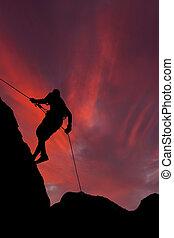 montagne, coucher soleil, grimpeur, contre, rouges