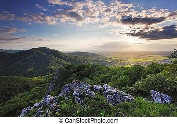 montagne, coucher soleil, paysage