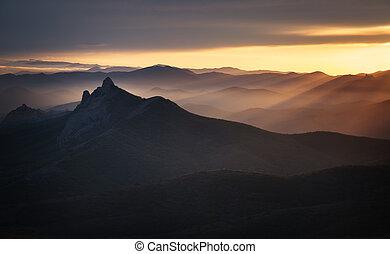 montagne, crimean, tramonto