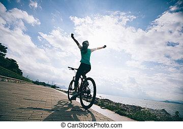 montagne, cyclisme femme, bord mer, gratuite, vélo, mains, équitation, levers de soleil
