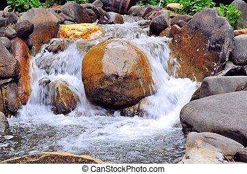 montagne, enfumé, chute eau
