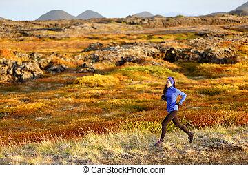 montagne, femme, coureur, traîner courir, paysage