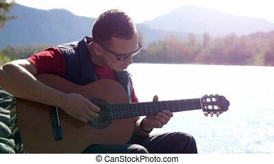 montagne, jeux, séance, ensoleillé, guitare, type, rivière, jour