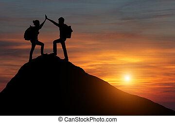 montagne, les, mâle, gens, donner, randonneurs, travail, ...