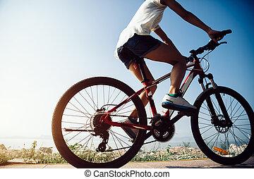 montagne, micro, cyclisme femme, bord mer, équitation, levers de soleil
