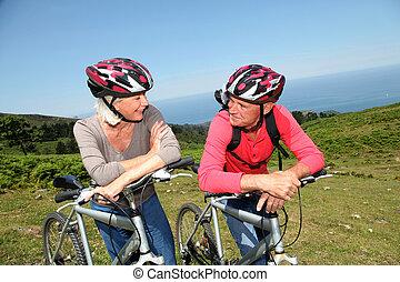 montagne, naturel, couple, vélos, équitation, personne agee, paysage