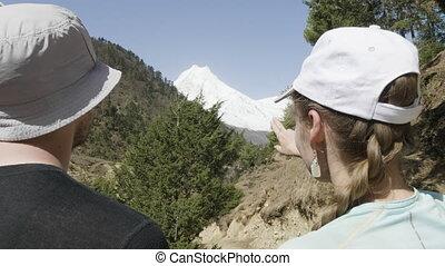 montagne, nepal., neigeux, élevé, girl, homme, spectacles