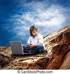 montagne, nuages, ordinateur portable, sous, ciel, enfant