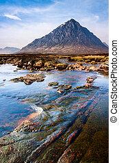 montagne, pays montagne, paysage rivière, écossais